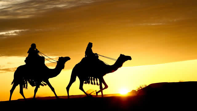 Kisah Abdullah bin Umar Yang Hendak Menghukum Pembantu