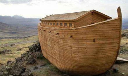Bahtera Nabi Nuh Pun Bertawaf