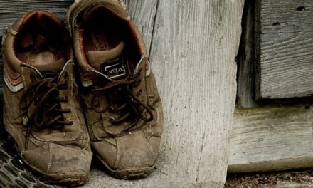 Kerikil Tajam di Sepatu Pengemis